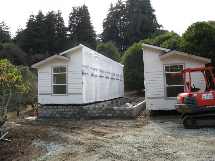 Yamada Homes: Placing House on Foundation