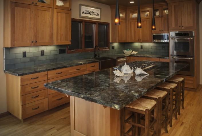 Hansmann Construction: Moore_Creek_kitchen_1100