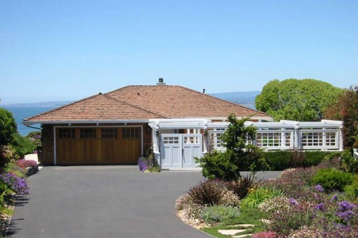 Santa Cruz Design + Build: beach view cottage