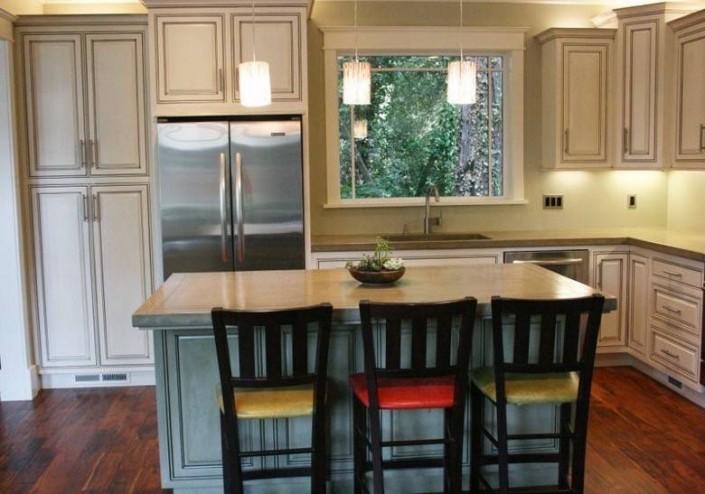 Meschi Construction Inc.: kitchen