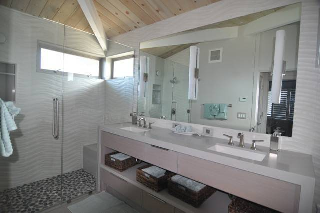Fiorovich Group: Pajaro Dunes Guest house master bath