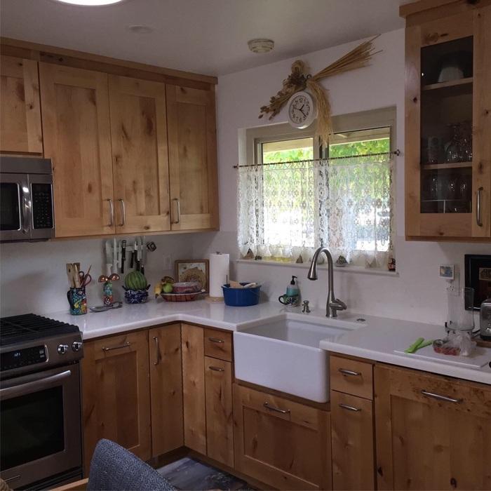 Champlin Interiors: Holm farmhouse kitchen