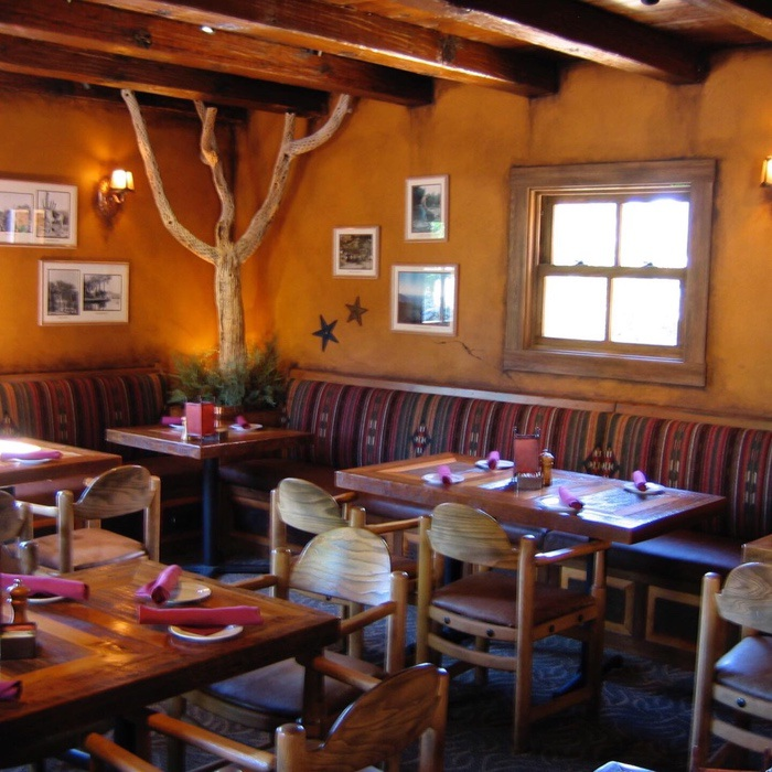 Champlin Interiors: Restaurant