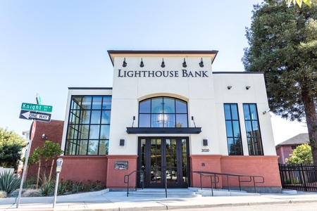Lighthouse Bank Building