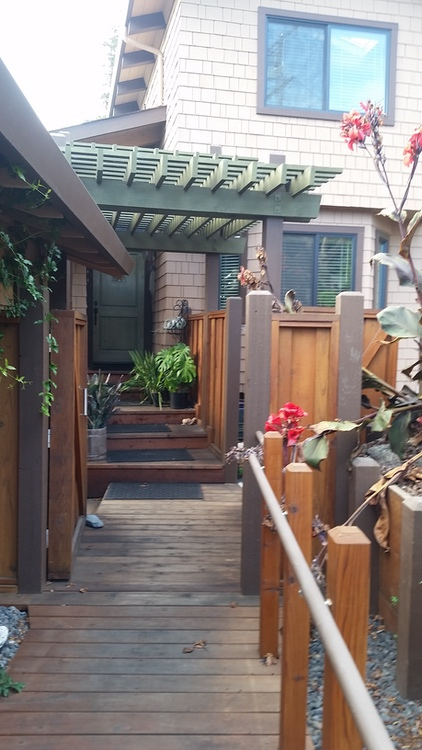 Outside The Box Builders - Looking toward & Kathleen & Jim's front door. Trellises are all notched together for ultimate strength, durability & beauty.
