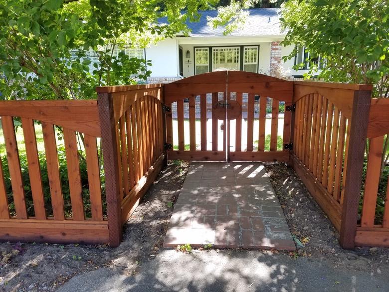 Parks Construction - Boulder Creek Fence and Gate 2