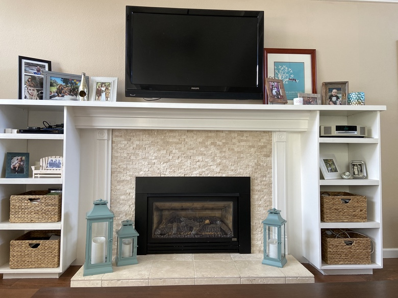 Parks Construction - Fireplace and Shelves