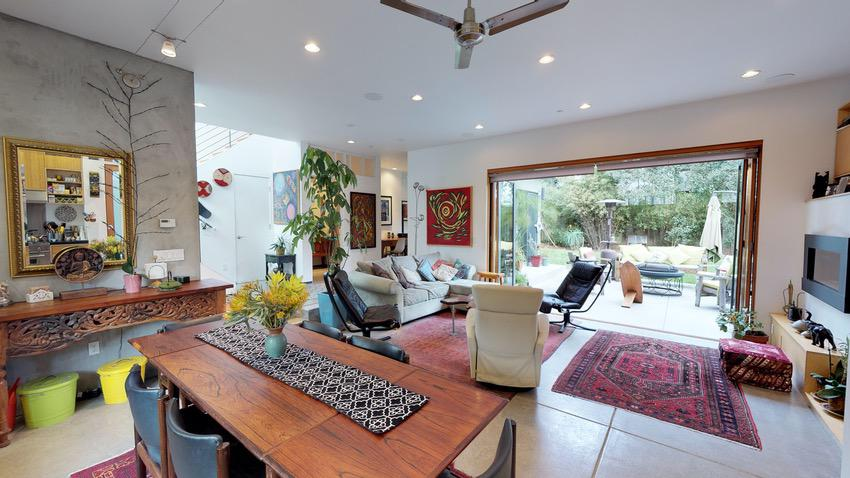 RealTour Home: Palisades Ave