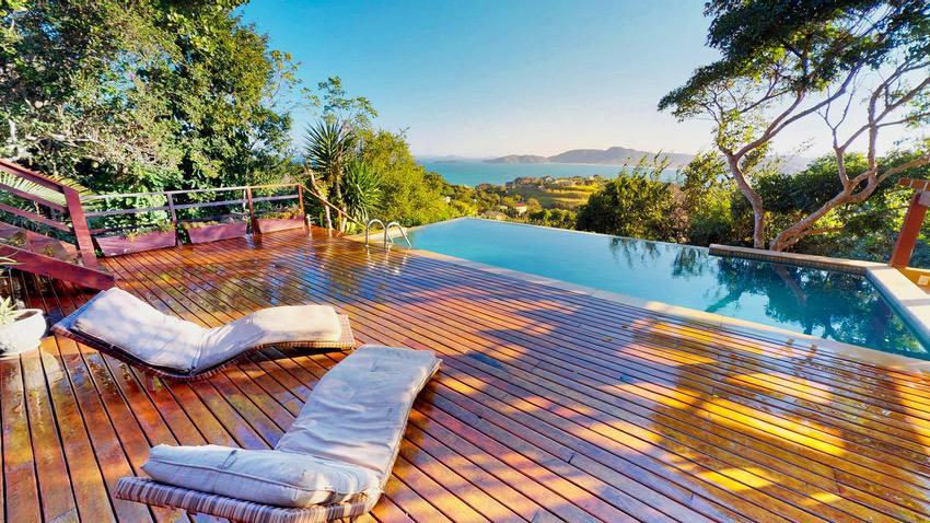 RealTour Home: CasaLita Deck