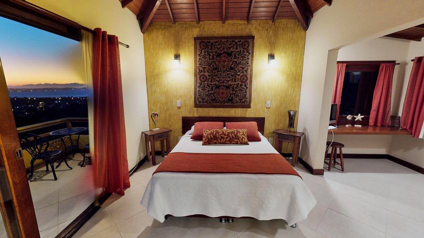 RealTour Home: CasaLita Master Suite