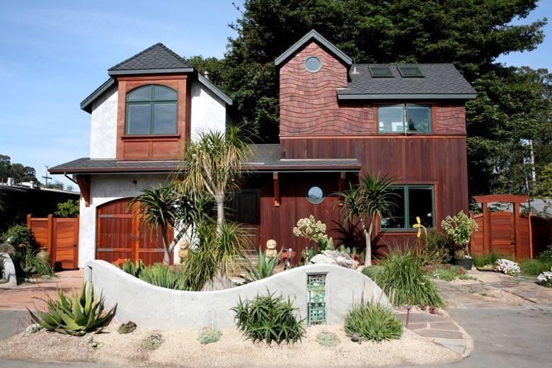 Santa Cruz Design + Build: treehouse front