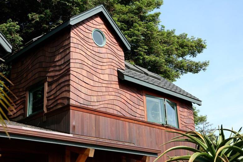 Santa Cruz Design + Build: wavy shingles
