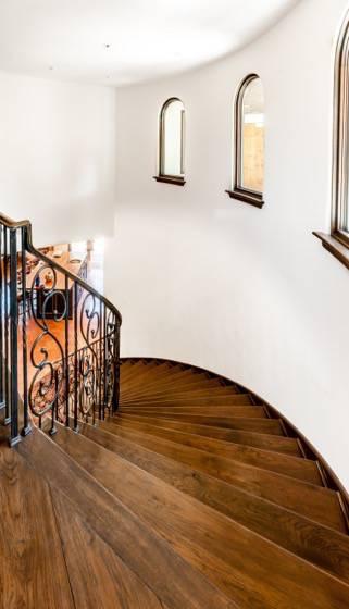 Golden Visions Design: Saratoga House