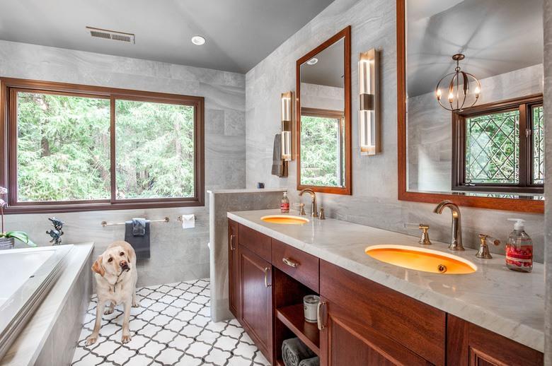Urbana Design Studio - Hoglund Bathroom