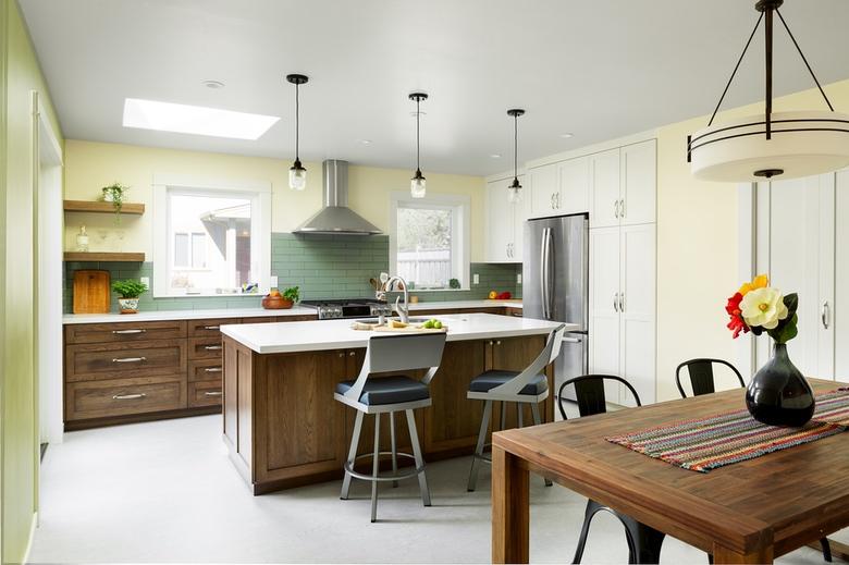 Urbana Design Studio Ladera Kitchen