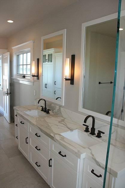 Meschi Construction Inc.: bathroom